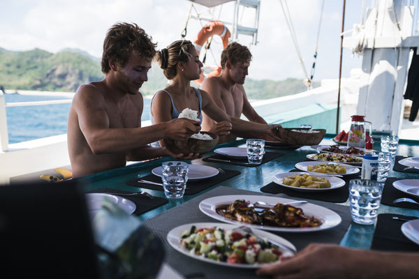 How to Have A Smooth Komodo Liveaboard Budget Trip